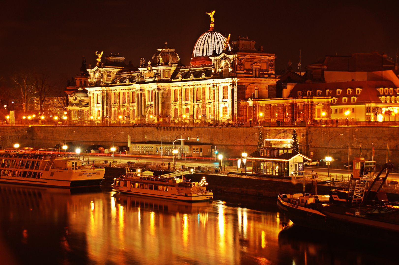 Dresden bei Nacht # 1