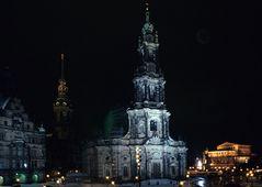 Dresden bei Nacht im Winter