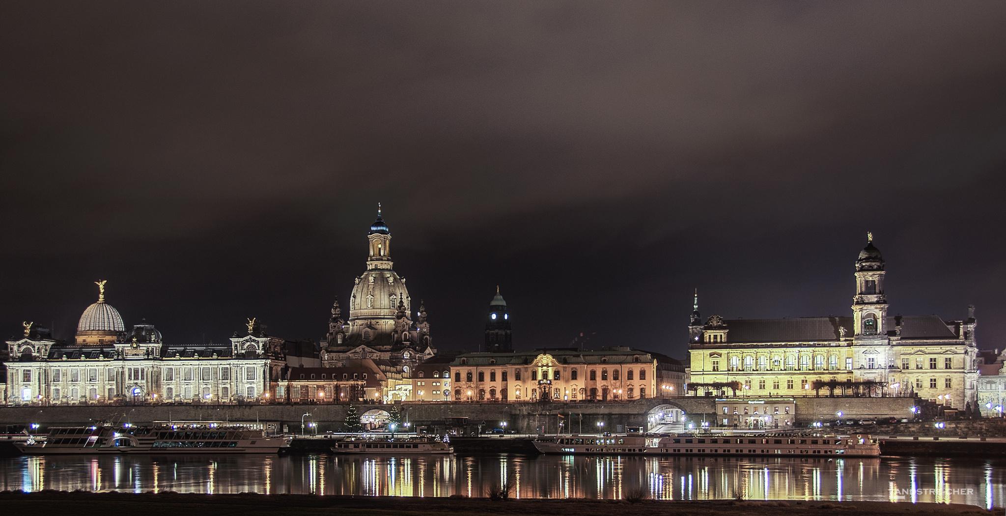 Dresden - Elb-Panorama mit Frauenkirche
