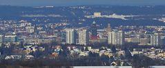 Dresden im aktuellen Winterkleid mit einer Ausschnittsvergrößerung,...