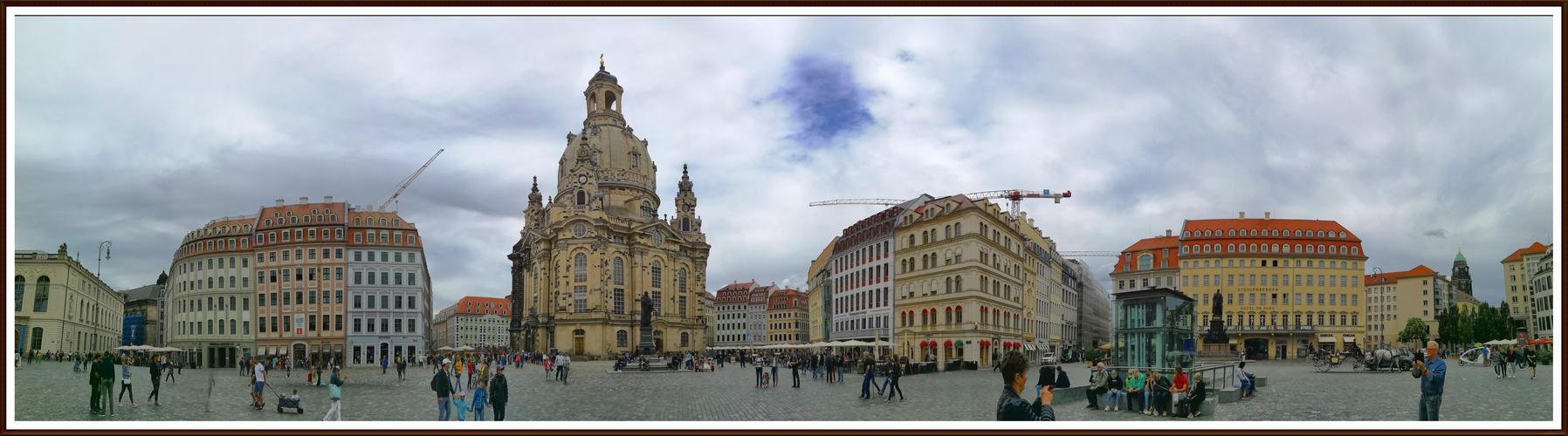 Dresden-Panorama mit Frauenkirche
