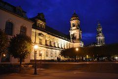 Dresdens Altstadt am Abend