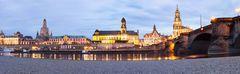 Dresdner Terrassenufer bei Niedrigwasser