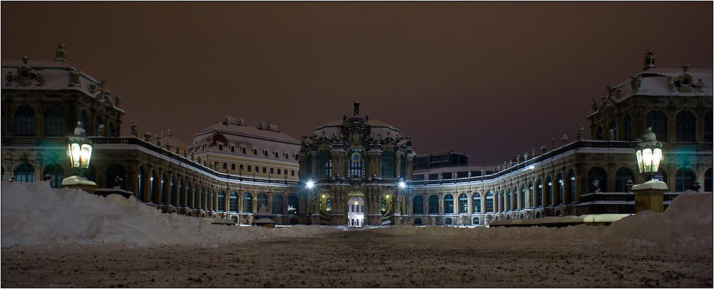 Dresdner Zwinger by night