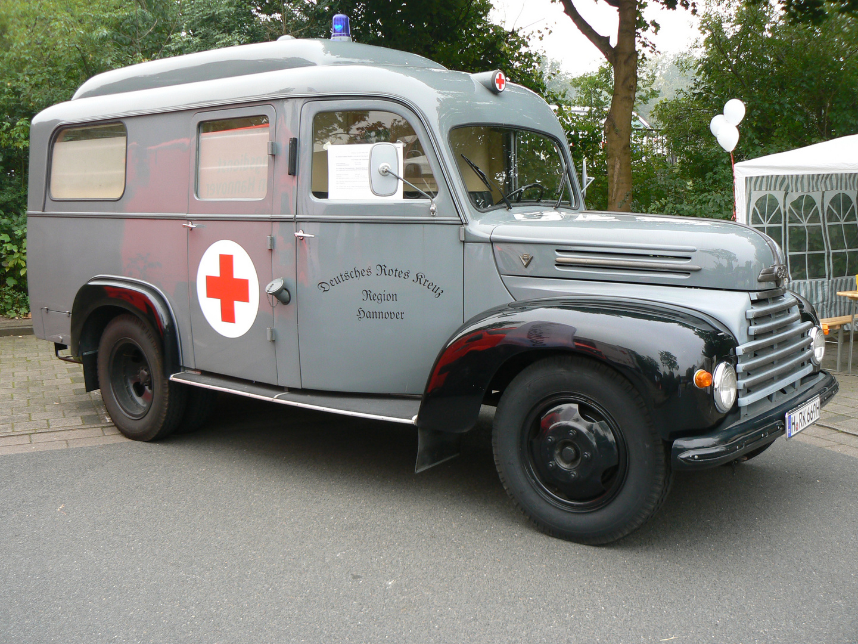 DRK-Oldtimer Ford