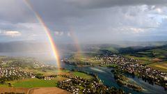 Drohne über dem Rhein