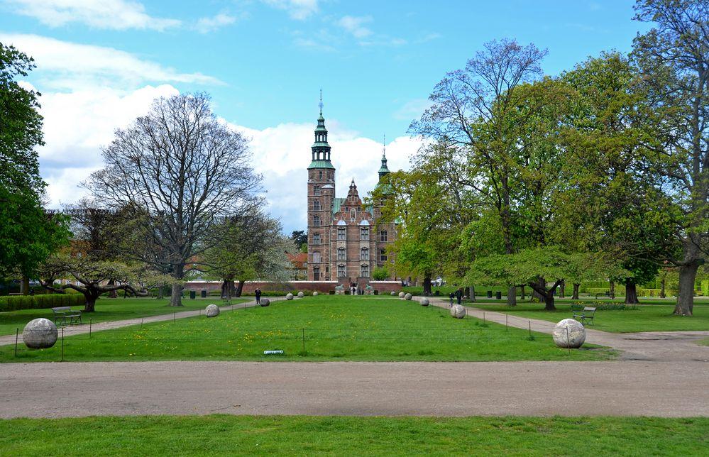 DSC_1372 Schloss Rosenborg liegt am Rande des Königsgartens