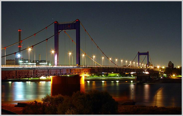 DU-Ruhrort bei Nacht
