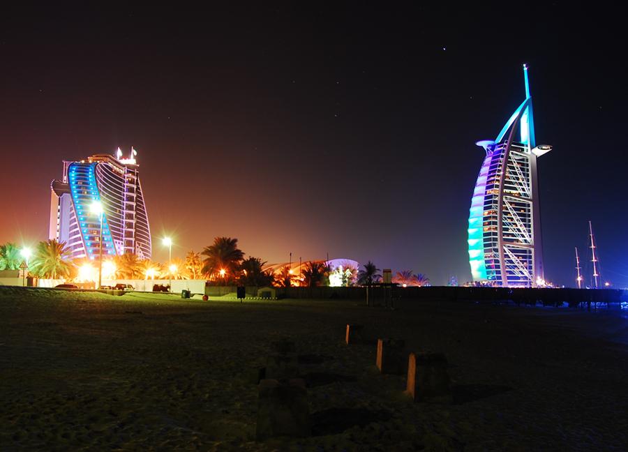 Dubai - Jumeirah Beach & Burj Al Arab at night