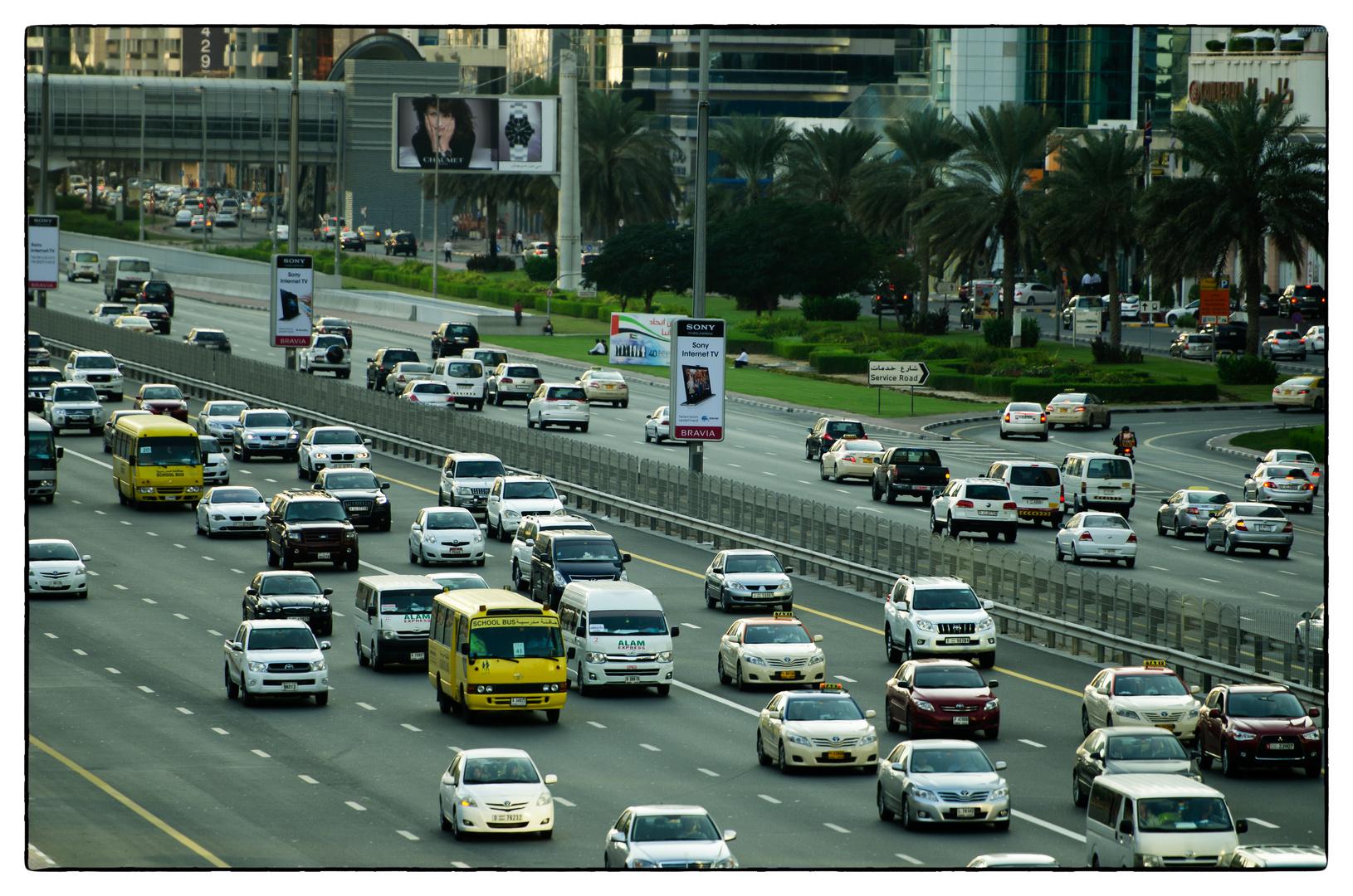 Dubai - Sheikh Zayed Road - busy as usual
