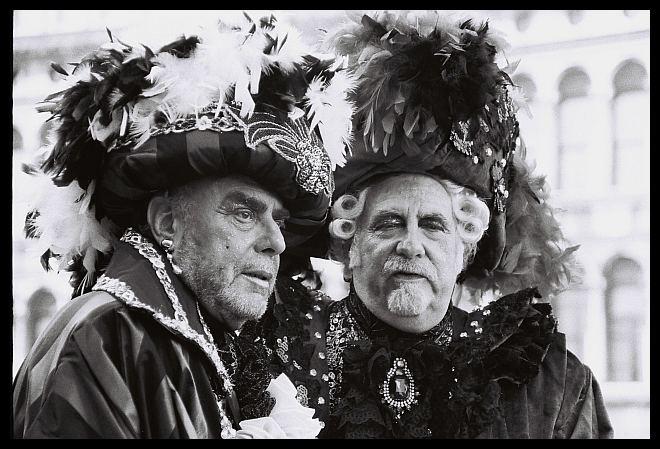 due signori in maschera