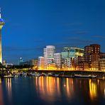 Düsseldorf - Der MedienHafen****