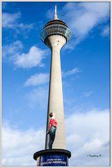 Düsseldorf - Fernsehturm - Größenvergleich -