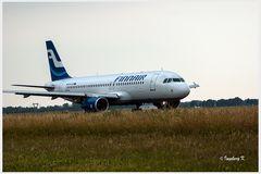 Düsseldorf - Flughafen - Die Finnair auf der Startbahn