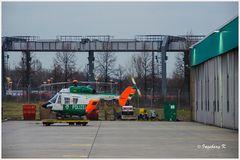 Düsseldorf - Flughafen - Polizeihubschrauber im Bereitschaftsdienst