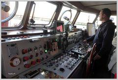 Düsseldorf - Führerstand auf dem Feuerlöschboot