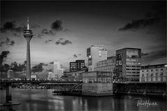 Düsseldorf-Hafen ....
