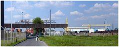 Düsseldorf - Hafen - Weg zum Containerverladeplatz