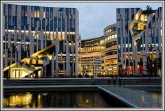 Düsseldorf - Kö-Bogen am Abend - 1
