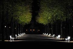 Düsseldorf Leuchtende Bänke