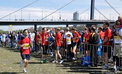 Düsseldorf - Marathon am 28.04.2013 - 16
