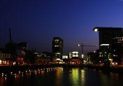 Düsseldorf Medienhafen am Abend (2)
