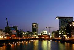 Düsseldorf - Medienhafen am Abend