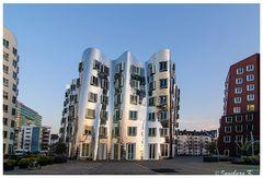 Düsseldorf - Medienhafen - Gerryhäuser - eine etwas andere Sicht