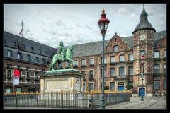 Düsseldorf Rathaus .....
