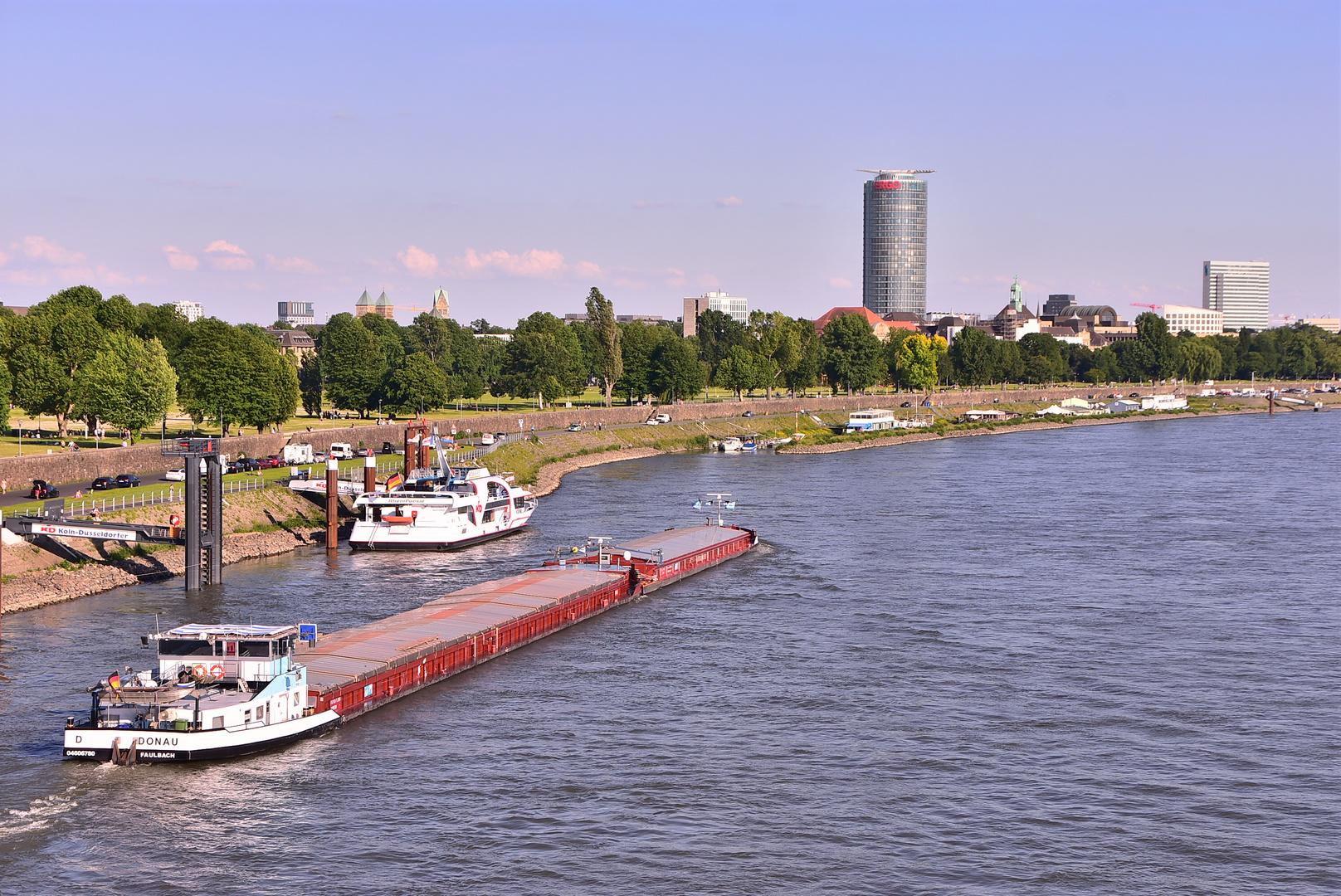 Düsseldorf Rhein Juni 2019