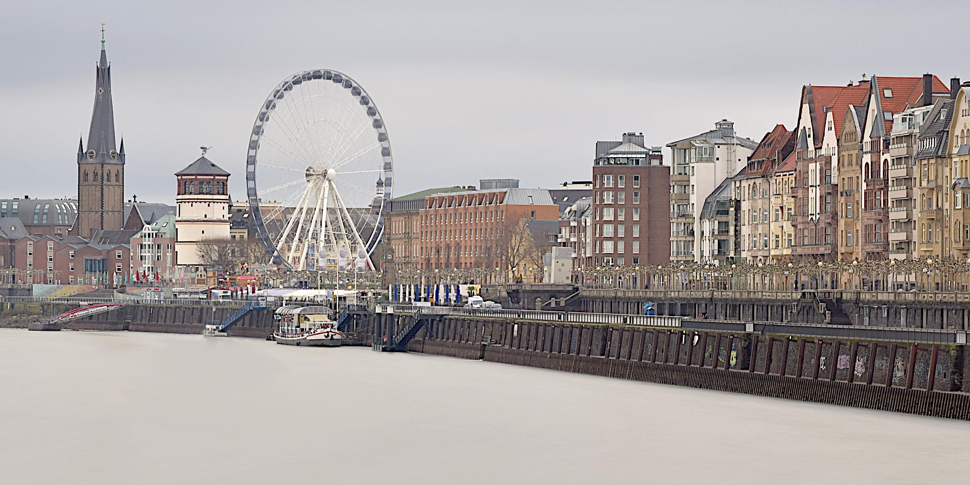 Düsseldorf Rheinpromenade II