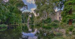 Düsseldorf - Schloss Eller und der Schlosspark -