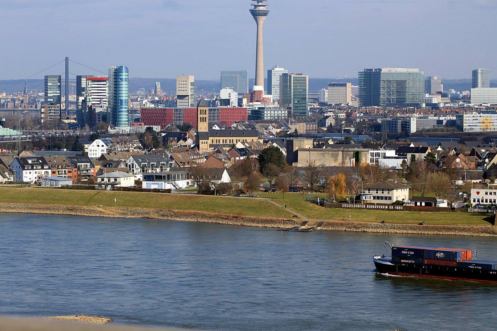 d sseldorf skyline foto bild deutschland europe nordrhein westfalen bilder auf fotocommunity. Black Bedroom Furniture Sets. Home Design Ideas