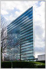 Düsseldorf - Stadttor im Medienhafen