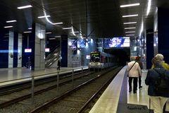 Düsseldorf - U-Bahn Ankunft Schadowstraße