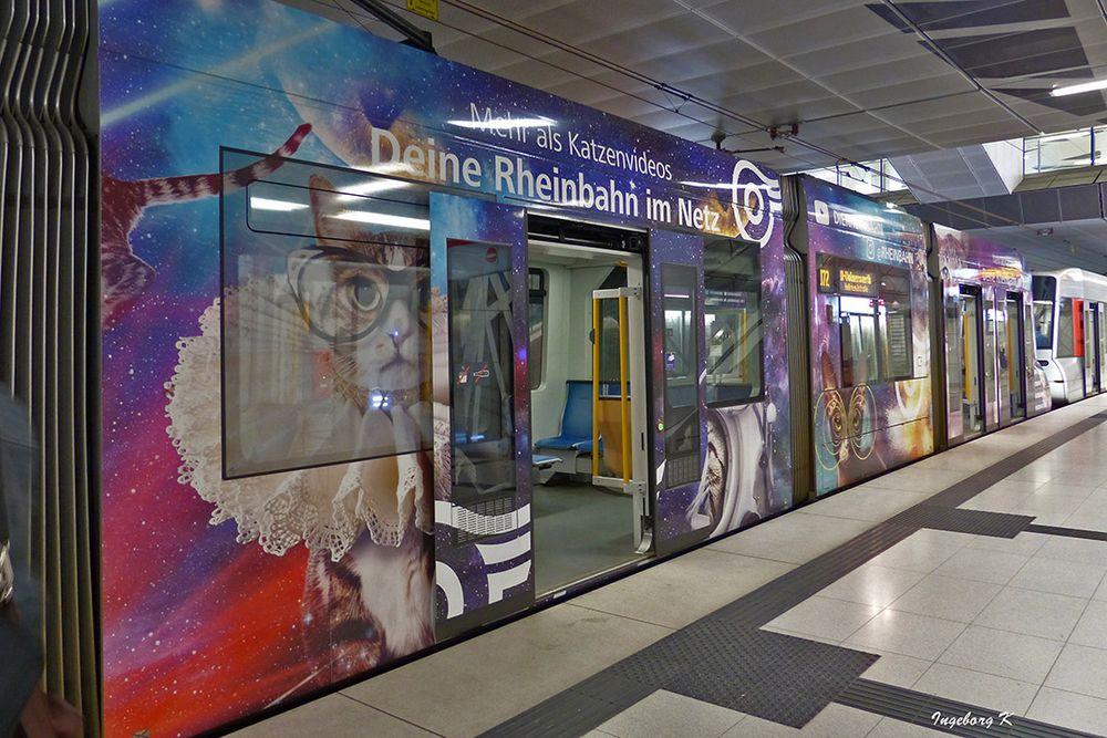 Düsseldorf - U-Bahn  -  attraktiv gestaltet