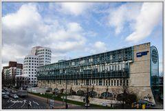 Düsseldorf - WDR und Gerryhäuser im Medienhafen