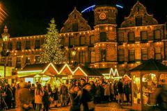 Düsseldorf - Weihnachsmarkt am Rathausplatz