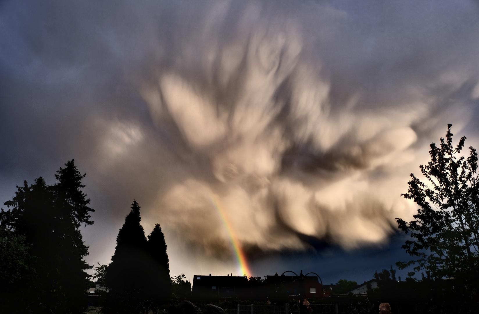 Düsterere Wolken und ein wenig Farbe