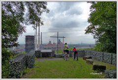 Duisburg - Aussichspunkt Alsumer Berg mit Gedenkkreuz -