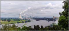 Duisburg - Blick vom Alsumer Berg auf Rhein, Thyssen und Kraftwerke