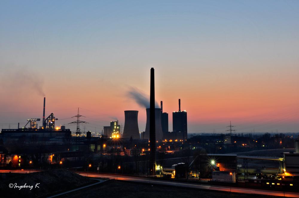 Duisburg - HKM bei Sonnenuntergang - von Tiger Turtle gesehen