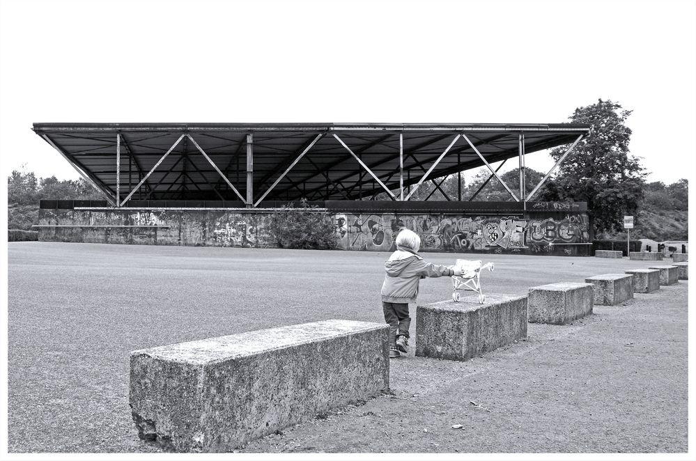 Duisburg ungeschminkt 32 - Öffentlicher Kinderspielplatz