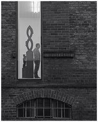 Duisburg ungeschminkt 37 - Mit dem Rücken zur Kunst