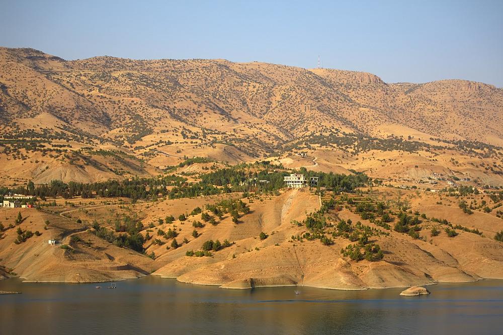 Dukan Dam - 02