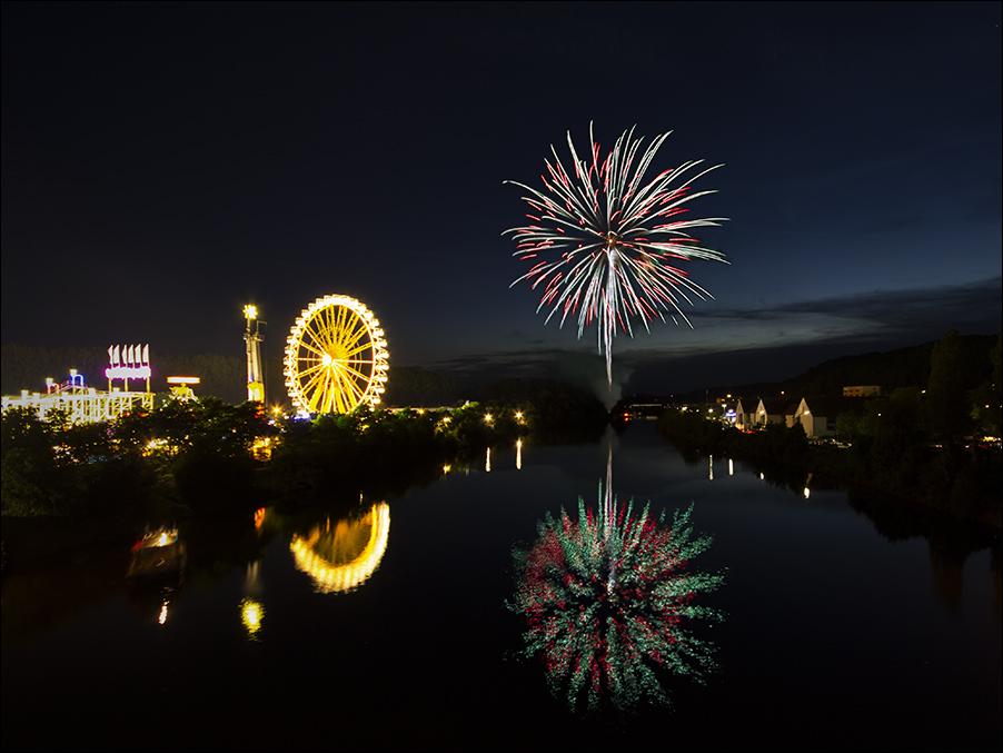 Dult Regensburg Hahnzelt