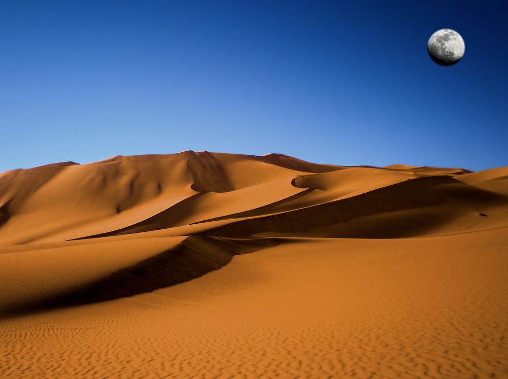 Dune libiche con luna
