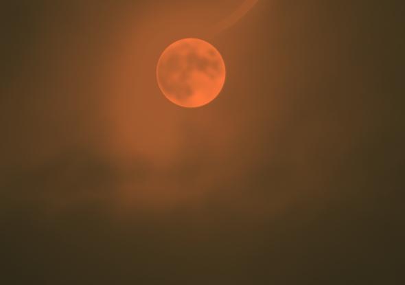 Dunkel wars, der Mond schien helle......