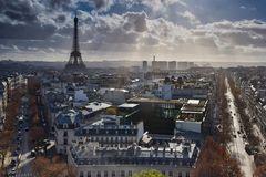 Dunkele Wolken ziehen über Paris!