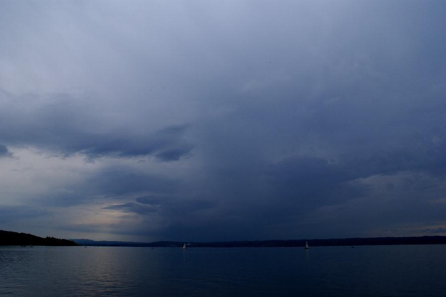 Dunkle Wolken über dem Ammersee...